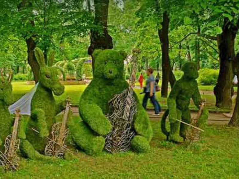 Скульптура музыкантов из самшита