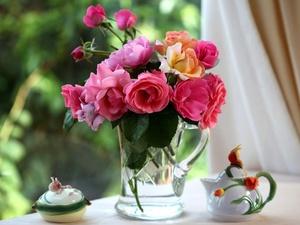 Как сохранить свежесть роз в вазе