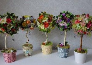 Топиарии годятся и для украшения праздничного стола, свадьбы, и просто в качестве подарка, как элемент домашнего декора